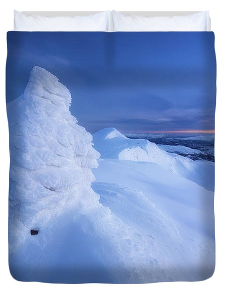Sunset On The Summit Toviktinden Duvet Cover by Arild Heitmann