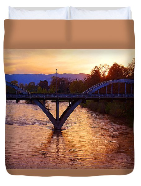 Sunset Over Caveman Bridge Duvet Cover by Mick Anderson