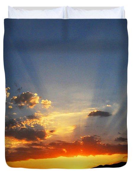 Sunset Sun Rays Duvet Cover by Lynn Bauer