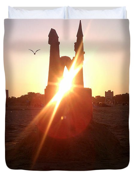 Sunset Sunlit Sandcastle With Flying Bird On A Chicago Beach Duvet Cover