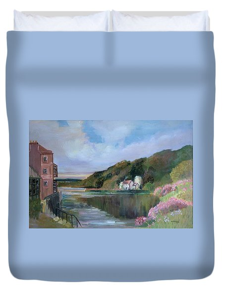 Thames River England By Mary Krupa Duvet Cover by Bernadette Krupa