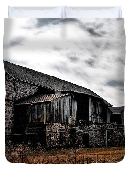 The Barn At Pawlings Farm Duvet Cover by Bill Cannon