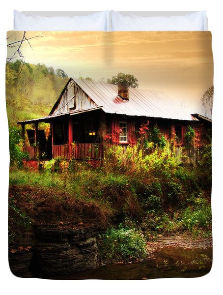 The Cottage By The Creek Duvet Cover by Lj Lambert