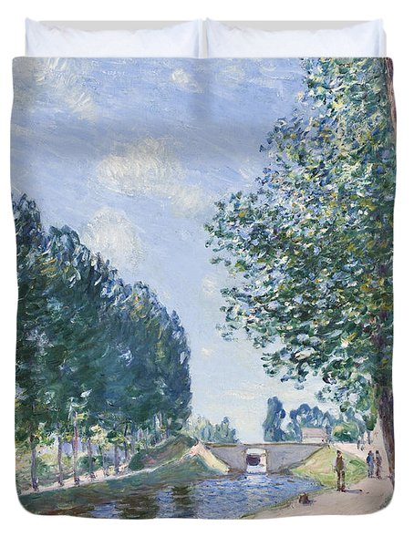 The Loing Canal At Moiret Duvet Cover by Alfred Sisley