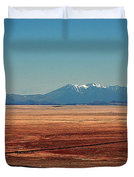 The Long Road To The Meteor Crater In Az Duvet Cover by Susanne Van Hulst
