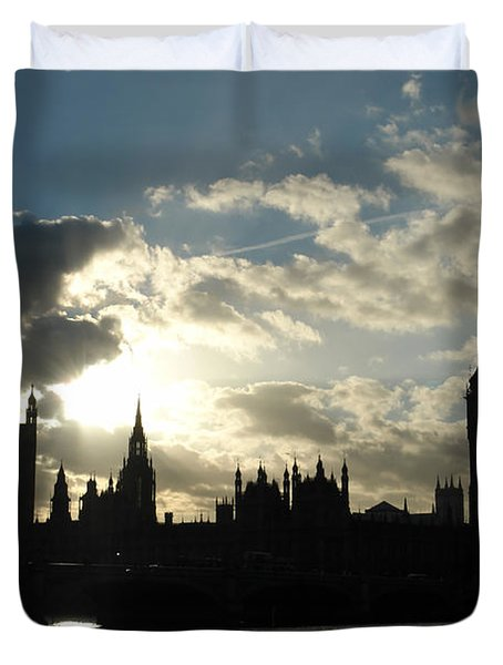 The Outline Of Big Ben And Westminster And Other Buildings At Sunset Duvet Cover