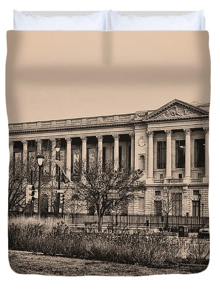 The Philadelphia Free Library Duvet Cover by Bill Cannon