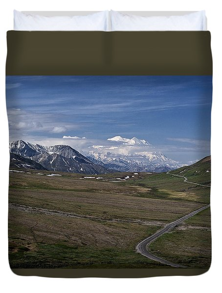 The Road To The Great One Duvet Cover