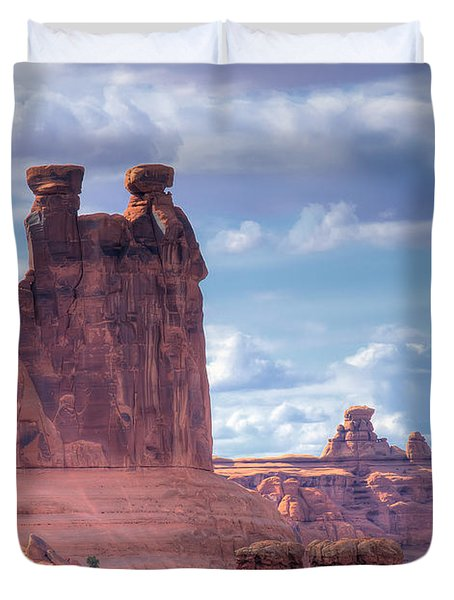 Three Gossips Duvet Cover