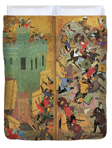 Timur And The Siege Of Smyrna 1402 Duvet Cover by Photo Researchers