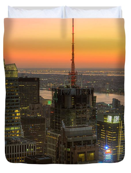 Top Of The Rock Twilight Ix Duvet Cover by Clarence Holmes