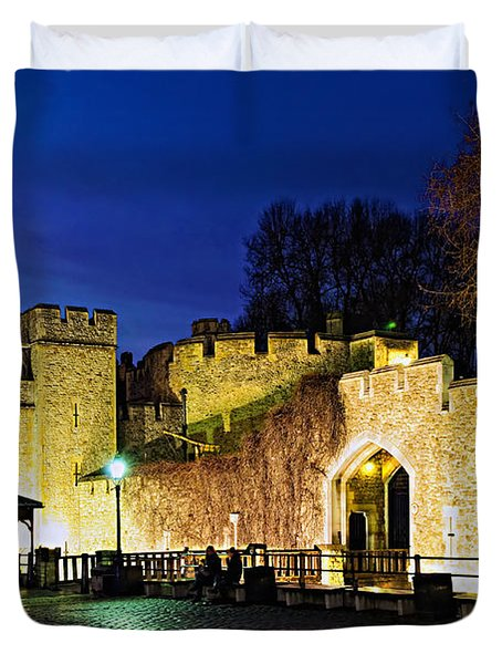 Tower Of London Walls At Night Duvet Cover by Elena Elisseeva