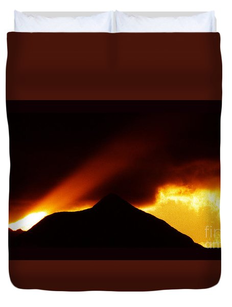 Duvet Cover featuring the photograph Transcending The Mind by Susanne Still