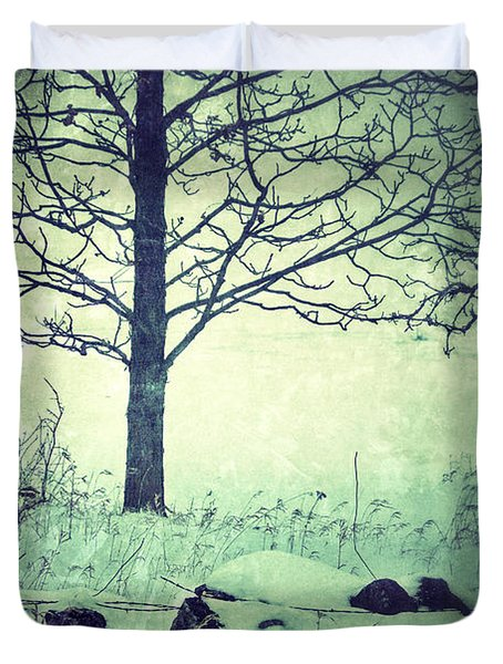 Tree And Fence In The Fog And Snow Duvet Cover by Jill Battaglia