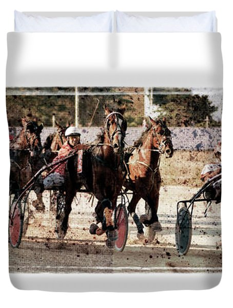 Duvet Cover featuring the photograph Trotting 3 by Pedro Cardona