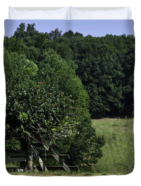 Trumpet Vine And Fence At Appomattox Courthouse Virginia Duvet Cover by Teresa Mucha