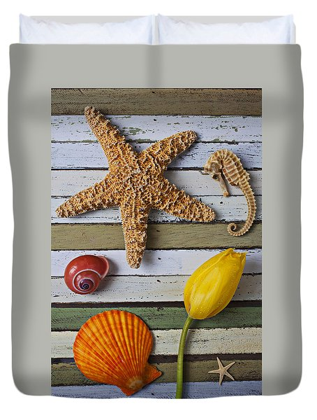 Tulip And Starfish Duvet Cover by Garry Gay