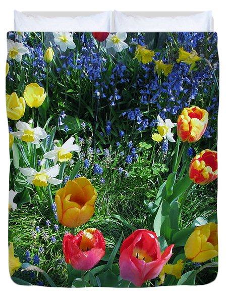 Duvet Cover featuring the photograph Tulips Dancing by Rory Sagner