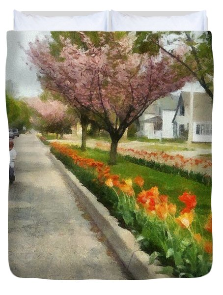 Tulips On The Boulevard Holland Michigan Duvet Cover