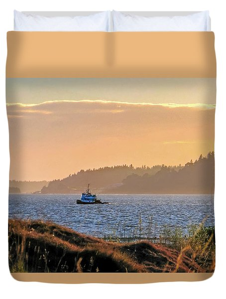 Twilight Tug -chambers Bay Golf Course Duvet Cover by Chris Anderson