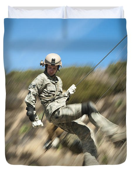 U.s. Air Force Airman Practices Duvet Cover by Stocktrek Images