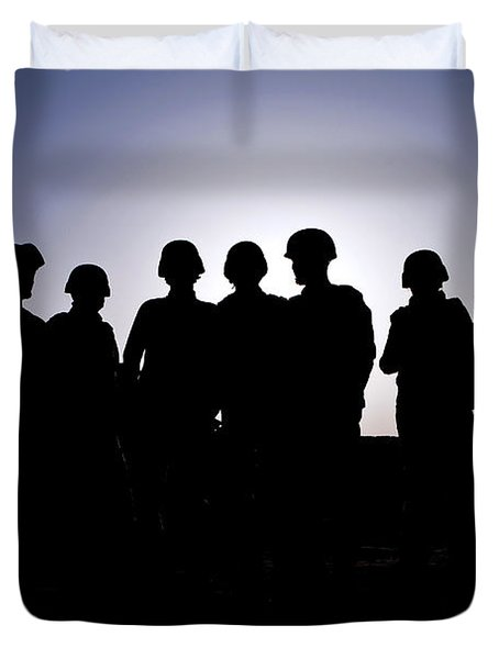 U.s. Marines And Civilian Contractors Duvet Cover by Stocktrek Images
