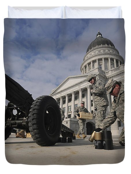 U.s. Soldiers Clean Up After Firing Duvet Cover by Stocktrek Images
