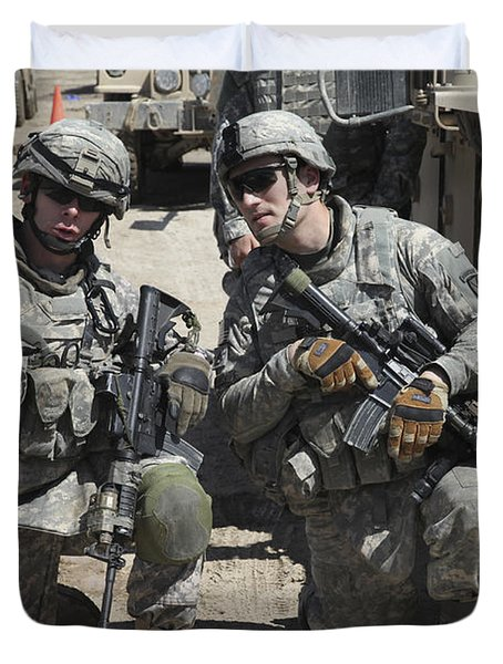 U.s. Soldiers Coordinate Security Duvet Cover by Stocktrek Images