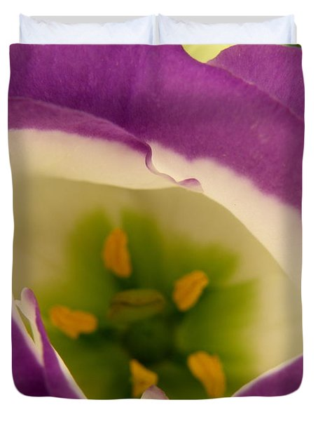 Duvet Cover featuring the photograph Vibrant by Lainie Wrightson