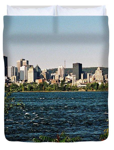 Duvet Cover featuring the photograph Ville De Montreal by Juergen Weiss