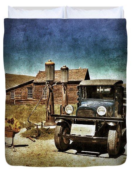 Vintage Vehicle At Vintage Gas Pumps Duvet Cover by Jill Battaglia