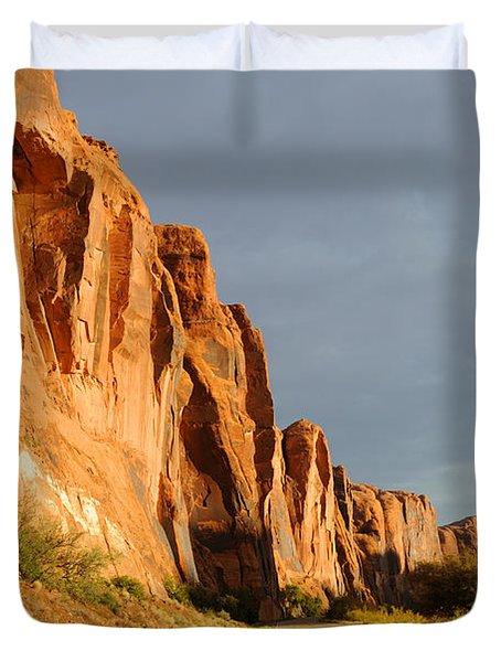 Wall Street Cliff Near Moab Duvet Cover by Gary Whitton