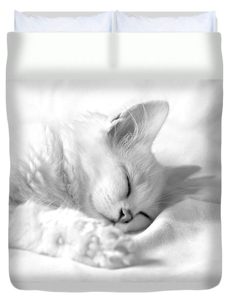 Duvet Cover featuring the photograph White Kitten On White. by Raffaella Lunelli