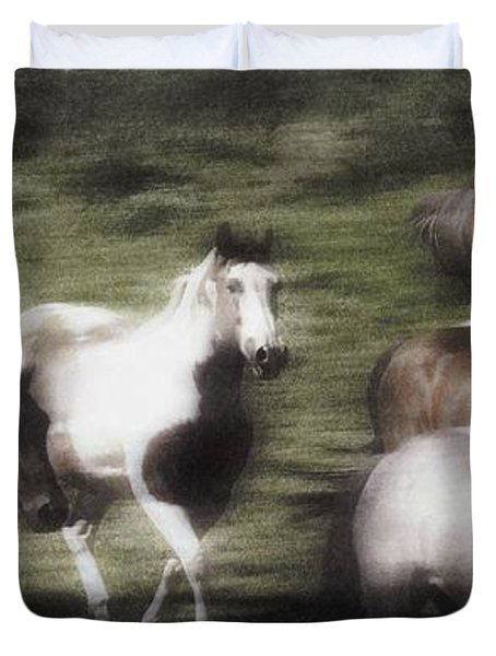 Wild Horses On The Move Duvet Cover by Don Hammond