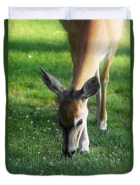 Duvet Cover featuring the photograph Wildlife Beauty by Janie Johnson