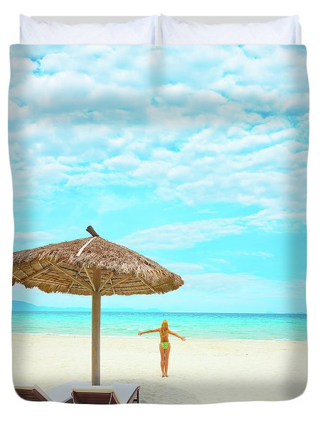 Woman Enjoy Sun Duvet Cover by MotHaiBaPhoto Prints