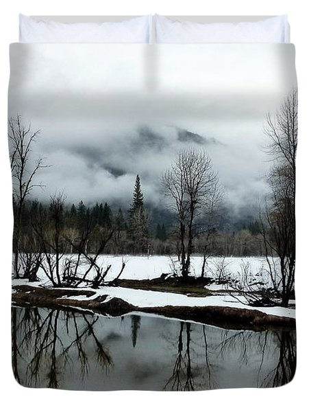 Yosemite River View In Snowy Winter Duvet Cover by Jeff Lowe