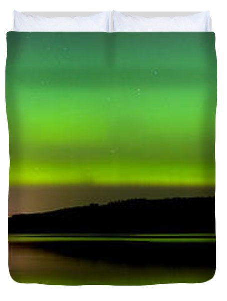 Aurora Over The Beauly Firth Duvet Cover
