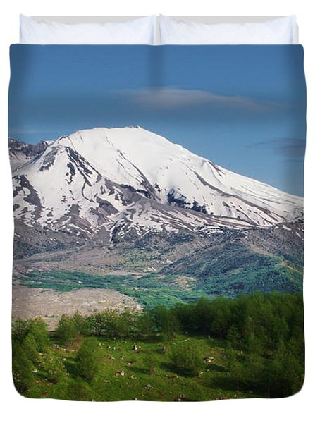 Castle Lake And Mt. St. Helens Duvet Cover