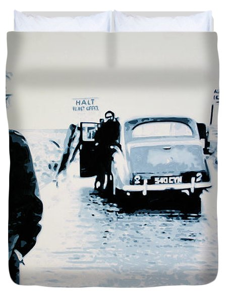 - No Direction Home - Duvet Cover by Luis Ludzska