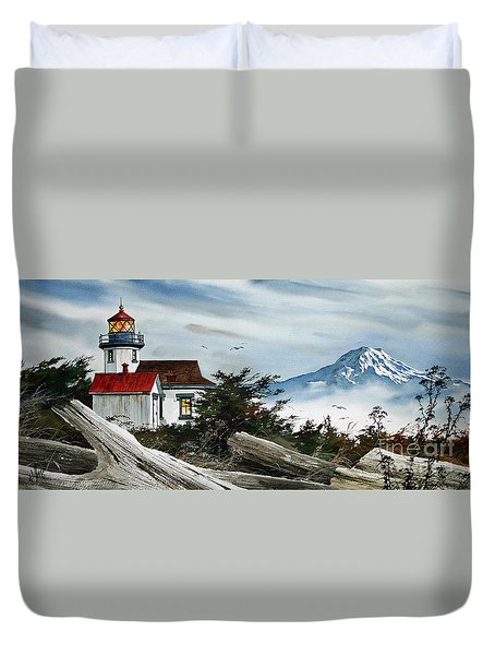Point Robinson Lighthouse And Mt. Rainier Duvet Cover