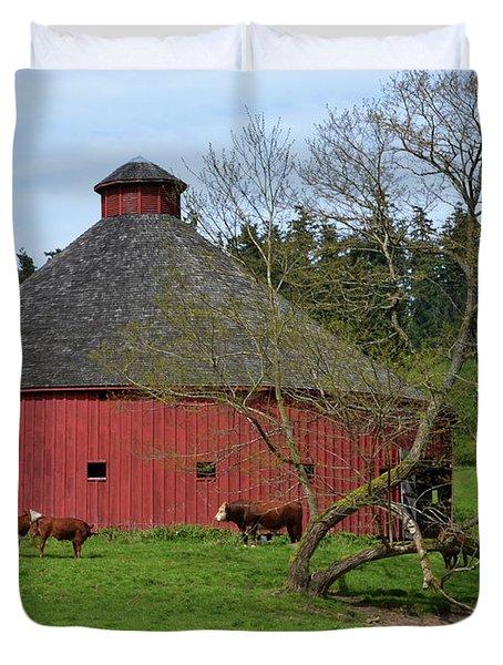 Round Red Barn Duvet Cover