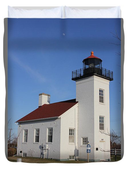 Sand Point Lighthouse Escanaba Duvet Cover