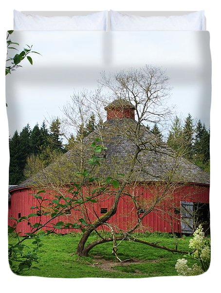 Spring At The Round Barn Duvet Cover