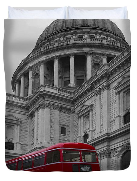 St Pauls Cathedral Red Bus Duvet Cover
