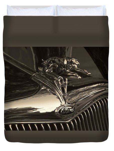 1935 Ford Hood Ornament  Duvet Cover by Cathy Anderson