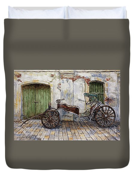 A Carriage On Crisologo Street 2 Duvet Cover
