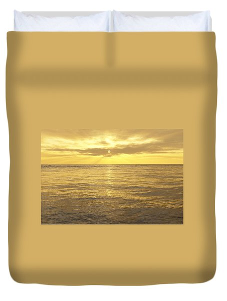 Duvet Cover featuring the digital art Ocean View by Mark Greenberg