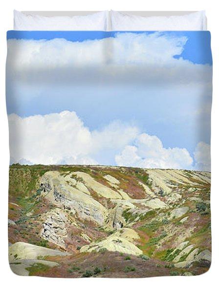 Badlands In Wyoming Duvet Cover