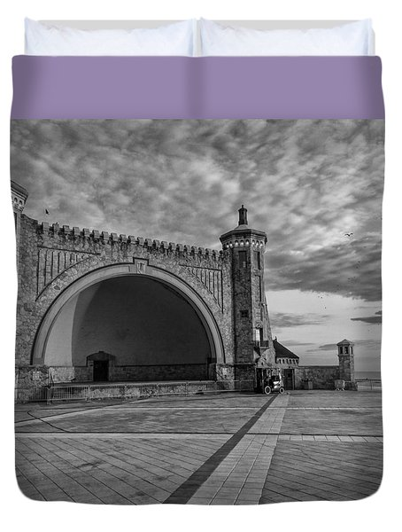 Band Shell Duvet Cover
